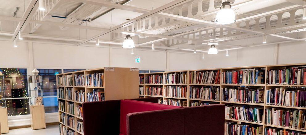 Finspångs-Bibliotek-KhaladPhotography-4-red-högupplöst-1920-735