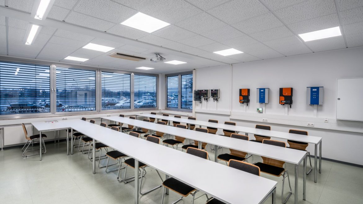 Trilux-Valineo-Education